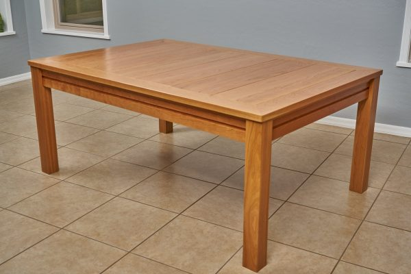 Uniquely Geek custom gaming table the Earl rustic style cherry wood customer table dinning mode