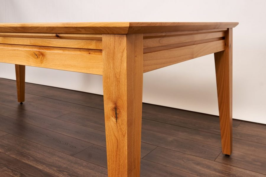 Earl_Contemporary_Knotty Alder_Natural_09