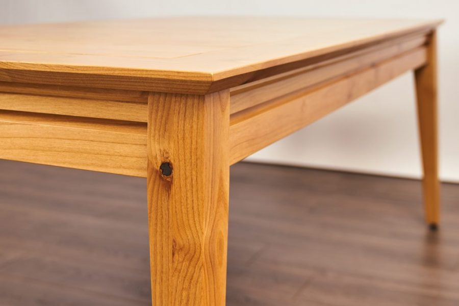 Earl_Contemporary_Knotty Alder_Natural_10